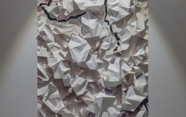 Tabula fracta, медиаобъект, 120x86x30 cm, дисплей, ,бумага, смеш.тех