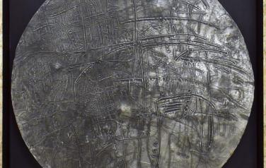 Шнитке, Открытый космос,  диаметр=54. швед. картон, пластилин, фольга, смеш. тех, 1990