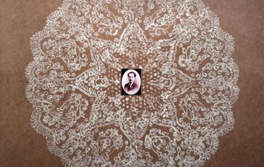 Ростислав Лебедев. Андрей Белый на белом. 2010. Оргалит, акрил, коллаж. 107х122